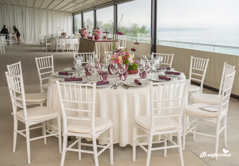 Сватбена декорация в ресторанта