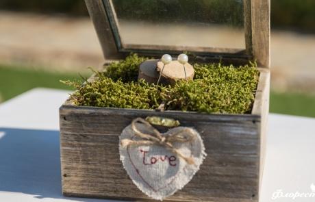 Дървена кутийка за венчални халки